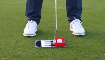 Boston Golf – Entrenamiento de putting ¡total!, con los accesorios PuttOUT